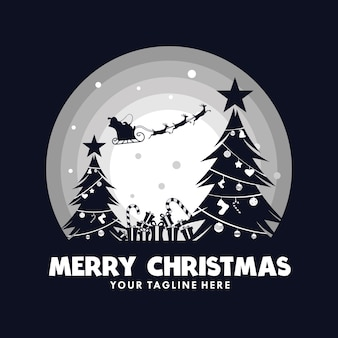 Kerstman in een slee met rendieren in de maan