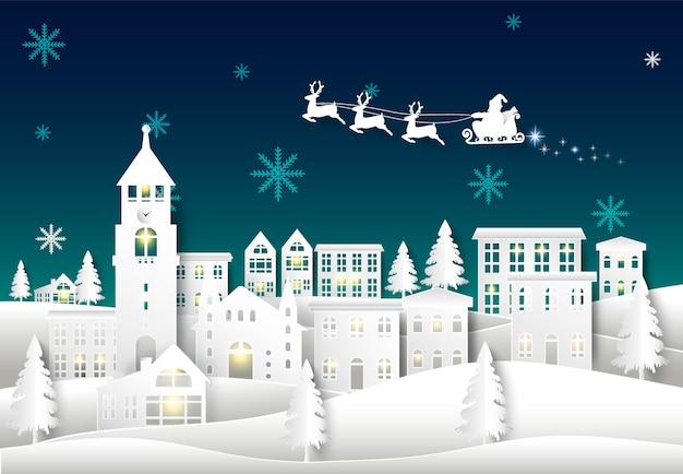 Kerstman op nachthemel in stadsstad