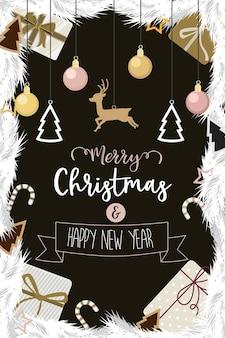 Kerstmis en gelukkig nieuwjaar met goud ingericht bal geschenk van pijnboomtakken