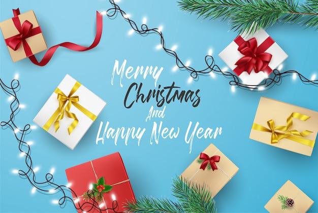 Kerstmis en gelukkig nieuwjaar wenskaart samenstelling van elementen met kerstversiering.