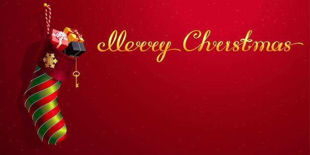 Kerstsok met een gouden sneeuwvlok, rood en groen gepatcht decor. 3d realistische sokvormige tas met geschenkverpakkingen. originele kalligrafische tekst merry christmas. rode achtergrond met een exemplaarruimte.