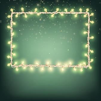 Kerstversiering met gloeiende slingers.