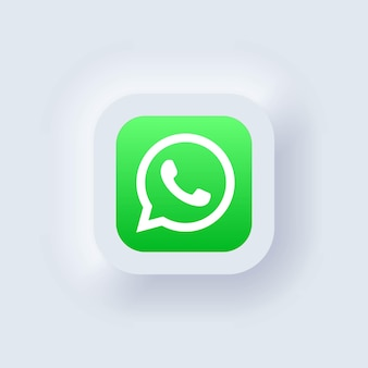 Kiev, oekraïne - 19 maart 2021: set van whatsapp-pictogrammen. pictogrammen voor sociale media. realistische reeks. neumorphic ui ux witte gebruikersinterface. neumorfisme stijl.