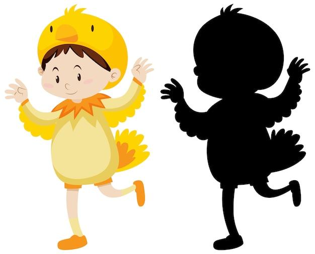 Kind draagt kippenkostuum met zijn silhouet