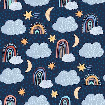 Kinderachtig naadloos patroon dat met wolken wordt geplaatst