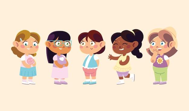 Kinderdag, schattige kleine meisjes karakters staan