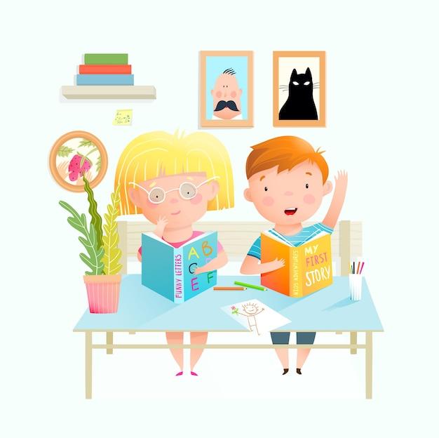 Kinderen aan de balie studeren in de klas, kinderen jongen en meisje boeken lezen, huiswerk of examen. schattige kleine kleuters op schoolinterieur of kleuterschool. tekenfilm.