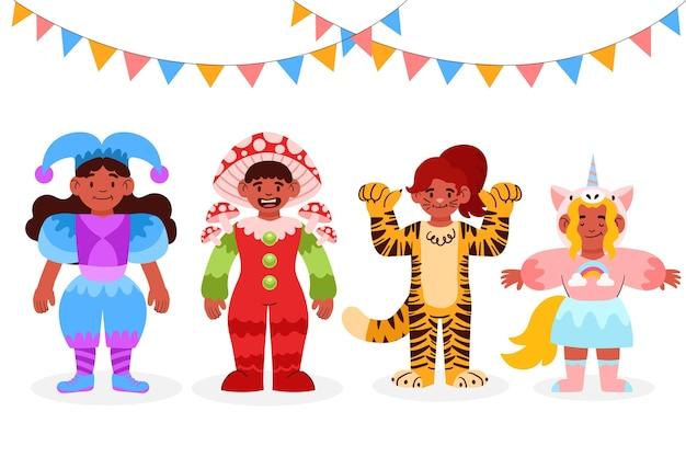Kinderen dragen verschillende carnavalskostuums en slingers