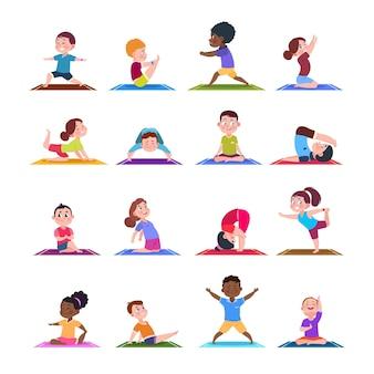 Kinderen in yogahoudingen. cartoon fitness kinderen in yoga asana. tekens geïsoleerde set