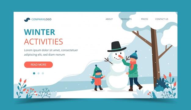 Kinderen maken van een sneeuwpop in de winter.