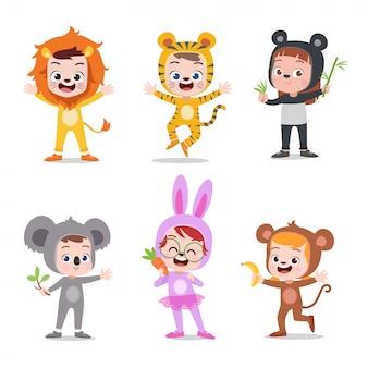 Kinderen met kostuum