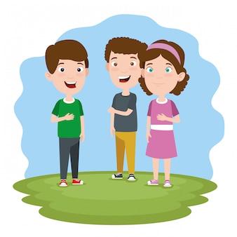 Kinderen praten in een weide