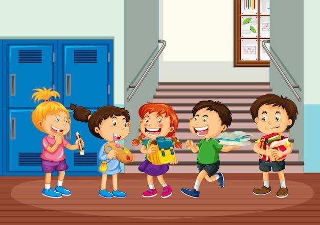 Kinderen praten met hun vrienden op school
