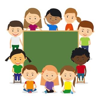 Kinderen rond schoolbord