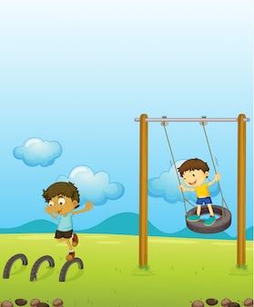 Kinderen spelen schommel
