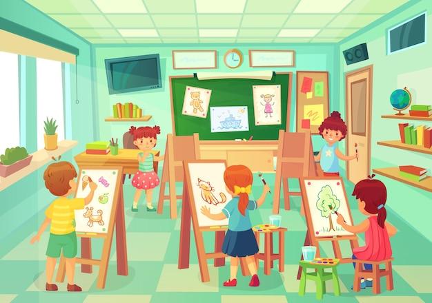 Kinderen tekenen in de kunstklasse