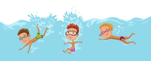Kinderen zwemmen in zwembad.