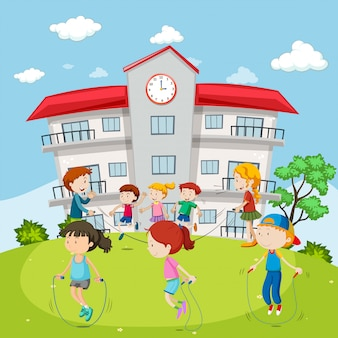 Kinderentouwtjes op de schoolgrond