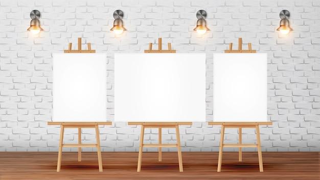 Klaslokaal voor schilderscursus met apparatuur