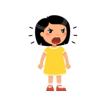 Klein aziatisch meisje schreeuwt hardop en balt haar handen in vuisten.