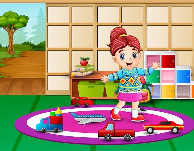 Klein meisje spelen in de kleuterschool