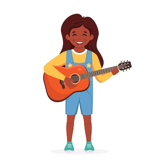 Klein zwart meisje dat gitaar speelt kind speelt muziekinstrument