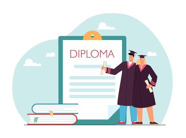 Kleine afgestudeerden staan naast klembord met diploma