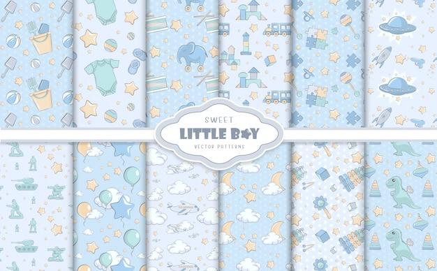 Kleine babyjongen blauwe patronen