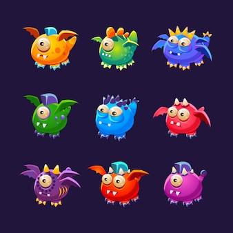 Kleine buitenaardse monsters met en zonder vleugels ingesteld