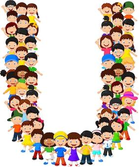 Kleine kinderen vormen alfabet u