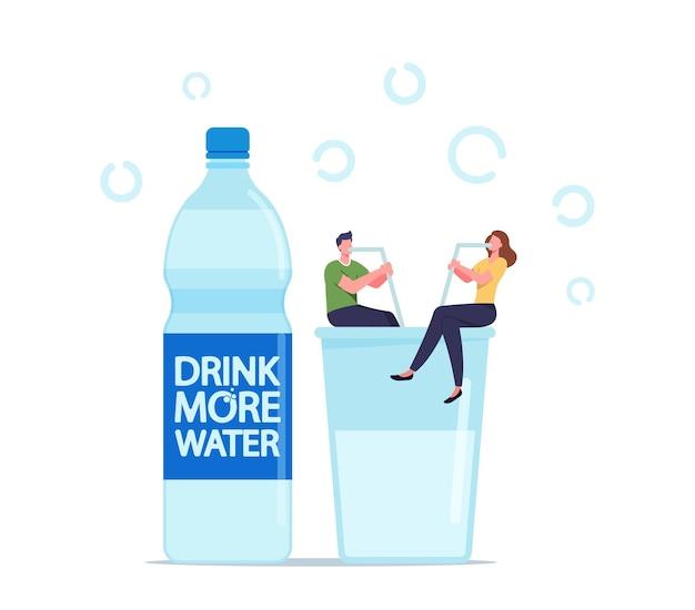 Kleine mannelijke en vrouwelijke personages zitten met rietjes op enorm glas met vers water. gezonde levensstijl, pure waterverfrissing, welzijn. mensen die h2o drinken voor hydratatie. cartoon vectorillustratie