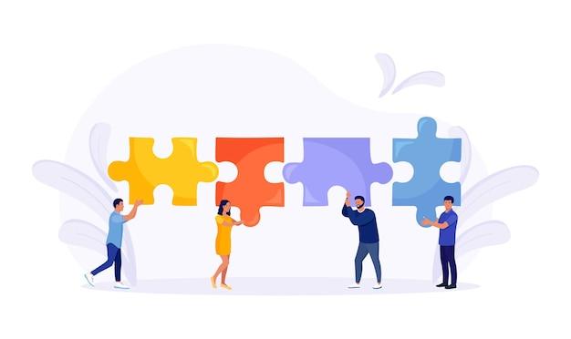 Kleine mensen die puzzelstukjes met elkaar verbinden en samen een oplossing proberen te vinden. effectieve werkstroom. teamwerk, samenwerking, partnerschap en samenwerking. bedrijfsconcept