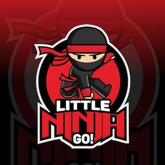 Kleine ninja mascotte logo ontwerp