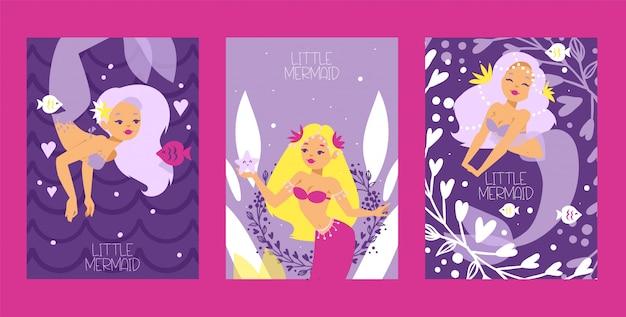 Kleine zeemeerminnen en zeewier en planten set kaarten. grappige stripfiguren en koralen.