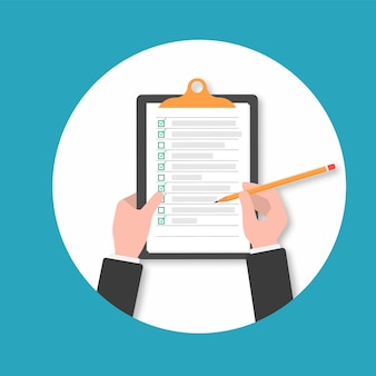 Klembord. hand vullen checklist op clipboard.businessman handen holding klembord checklist met pen.hand holding klembord met checklist en potlood. klembord checklist