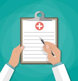 Klembord in artsenhand. medisch rapport analyse