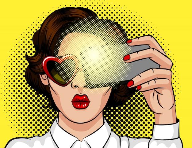 Kleurenillustratie in pop-artstijl. donkerbruin meisje met hartvormige zonnebril