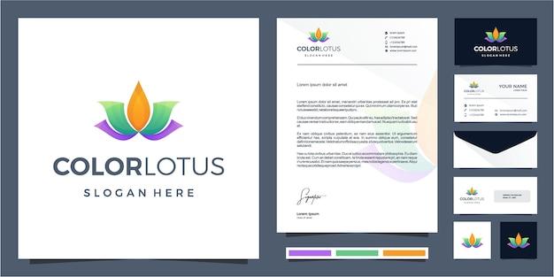Kleurrijk lotus logo design met briefpapierontwerp