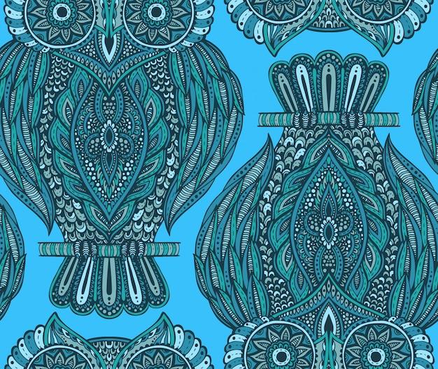 Kleurrijk naadloos patroon met hand getrokken sierlijke uilen