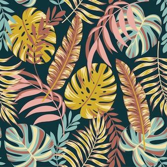 Kleurrijk naadloos patroon met tropische bladeren