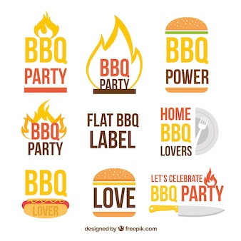 Kleurrijke bbq-kentekens in vlak ontwerp