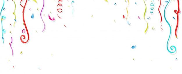 Kleurrijke confetti en streamer op witte achtergrond