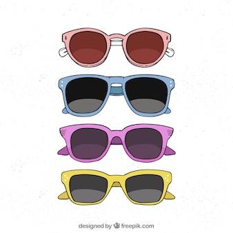 Kleurrijke en moderne zonnebrilcollectie