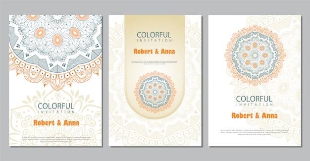 Kleurrijke mandala bruiloft uitnodiging sjabloon.