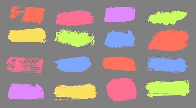 Kleurrijke noodborstels gekleurde strepen zijn met de hand getekend met markeringen, penseelstreken, vector