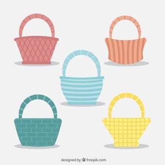 Kleurrijke picknickmanden