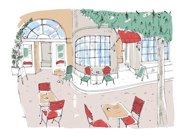 Kleurrijke ruwe tekening van terras, restaurant of koffiehuis met tafels en stoelen staande op straat in de stad naast een prachtig gebouw met grote panoramische ramen. hand getekende illustratie.