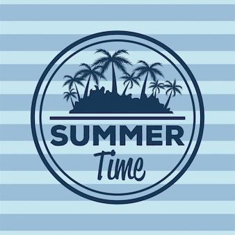 Kleurrijke streepachtergrond met embleem de zomertijd en silhouetstrand met palmen