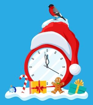 Klokken gekleed in de kerstman hoed. klok met bijna middernacht met rode dop. gelukkig nieuwjaar decoratie. vrolijk kerstfeest. nieuwjaar en kerstviering. platte vectorillustratie