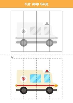 Knip en lijm spel voor kinderen met een cartoon ambulance auto. snijoefening voor kleuters.